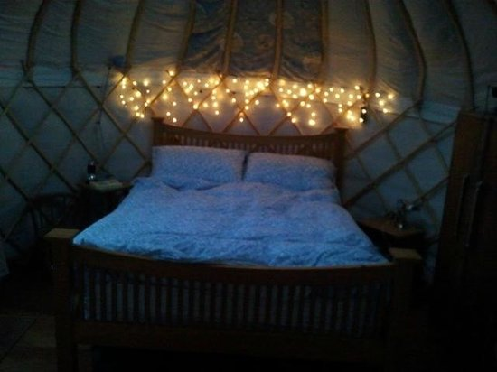 Offas Dyke Yurts : the bedroom