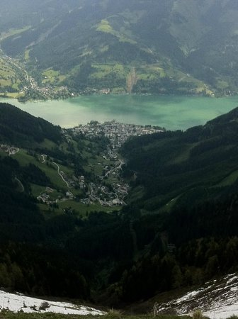 Hotel St. Georg: View from top of Scmittenhohe