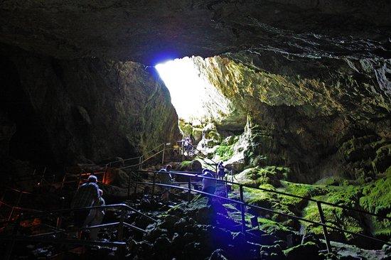 Dikteon Cave 사진