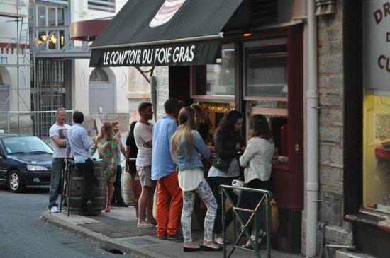 Le Comptoir Du Foie Gras: Lively atmosphere
