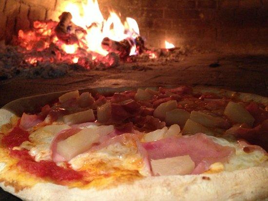 Costa verde: Pizza al horno de leña