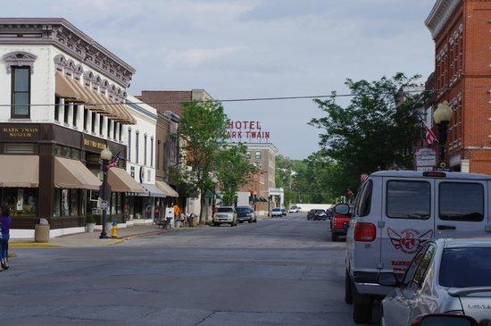 Quality Inn & Suites : Main Street Hannibal 2