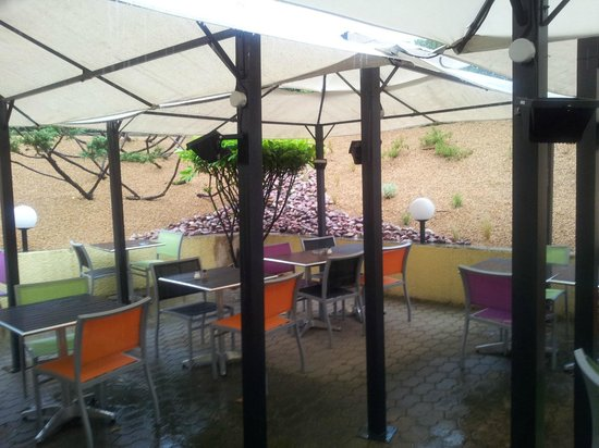 Logis le Collonges: terrasse