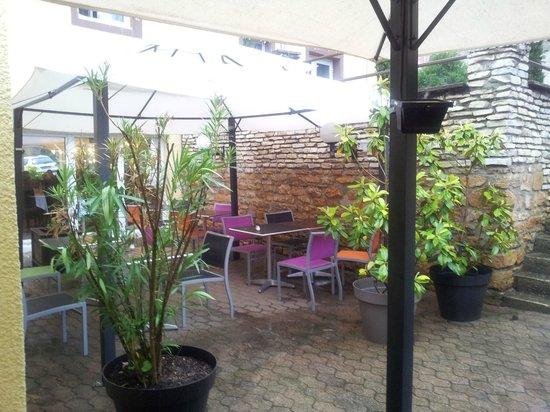 Logis Hotel le Collonges: terrasse