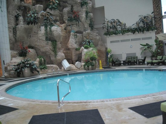 Indoor pool picture of atlantis casino resort spa reno for Atlantis pools