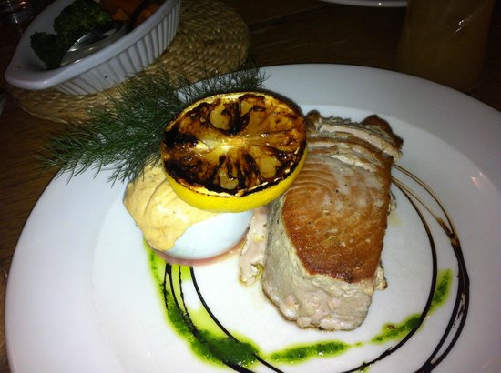 Blue Ball Restaurant: Tuna Steak