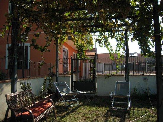 Carammelle Bed & Breakfast: giardino