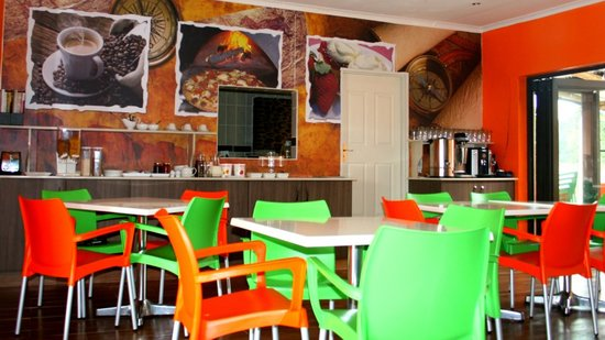 Itumeleng Guest House: itumeleng restaurant and coffee shop