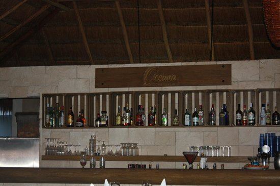Secrets Aura Cozumel: Bar
