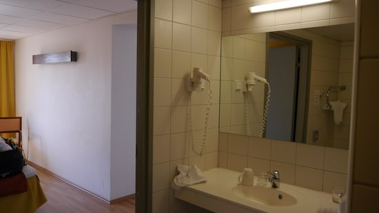 Pirita Spa Hotel: Tolet of room 242