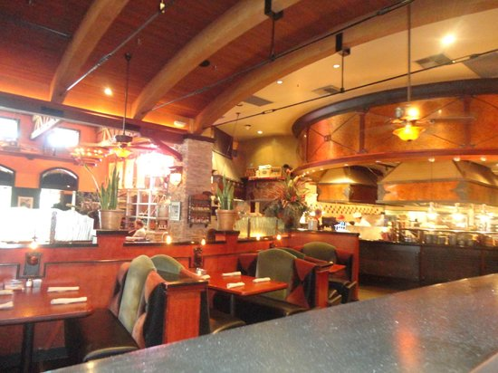 Babe's Bar-B-Que Grill and Brewhouse: View of the kitchen  area