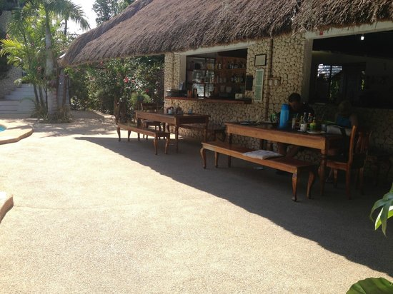 The Blue Orchid Resort: Fresh food cooked each meal time to order