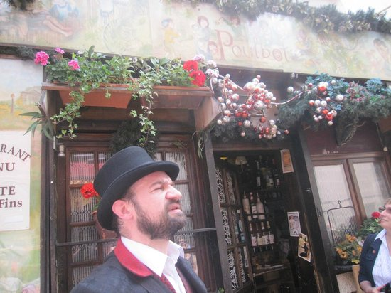 The Spirit of Montmartre Walking Tour : Restaurant le Poulbot