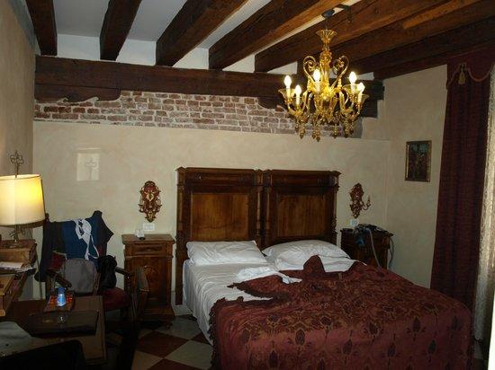 Palazzo Priuli: Vue de la chambre
