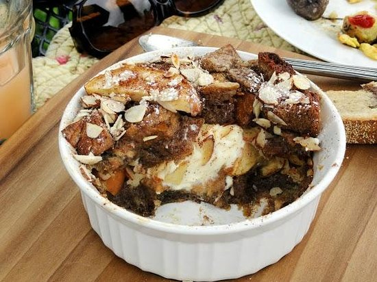 Ecce Bed and Breakfast: Amazing Stuffed French Toast