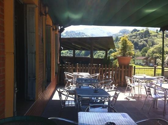 L'Angleiru : terraza con vistas inmejorables