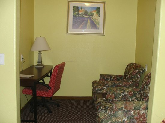 Bayside Inn: This is the really cool extra room they had with the desk and chairs