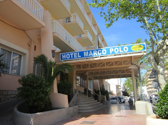 Hotel Marco Polo II: Entrance