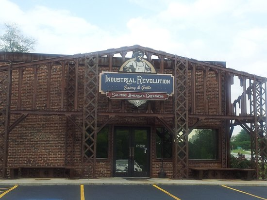 Industrial Revolution Eatery & Grille: Front entrance