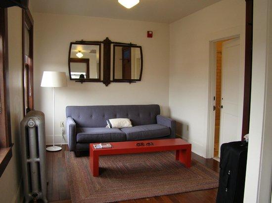 Commodore Hotel : Sitting area