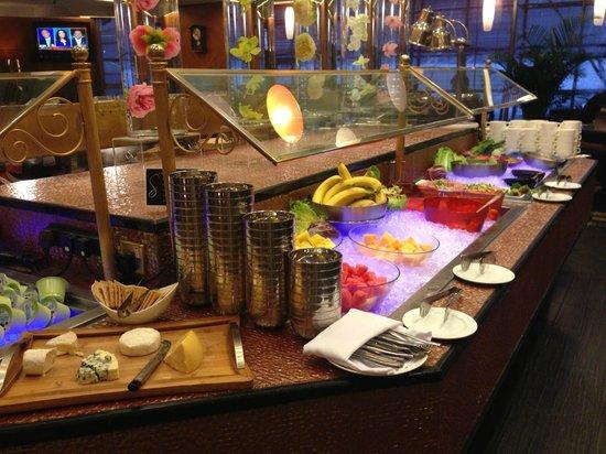 The Charterhouse Causeway Bay Hotel: salad
