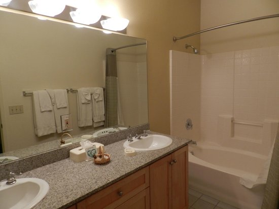 Cimarron Golf Resort: Baño-bathroom