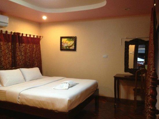 Chok-Wasana Guest House: ภายในห้องพัก