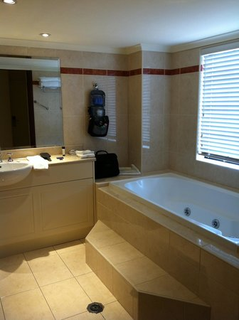 Camden Valley Inn : Bathroom