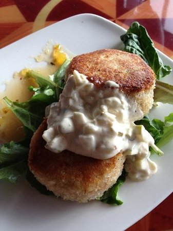 The Boardwalk Restaurant and Lounge: crab cakes 2013