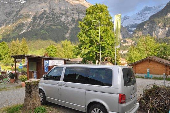 Hotel Hirschen: Parking