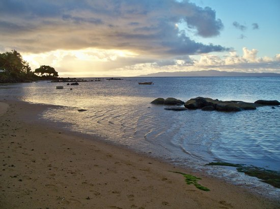 Coconut Grove Beachfront Cottages: Sunset at Coconut Grove Beach