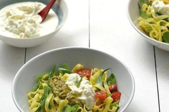 Via verde salad mozzarella bar nice for Vers de salade
