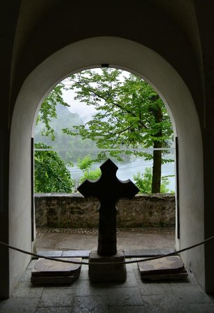 Iglesia de la Asunción: 教会の中からブレッド湖が見えました