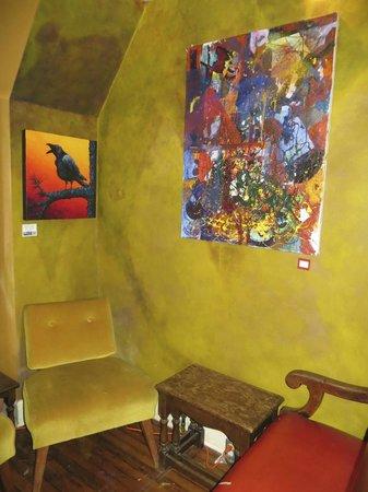 Shawnigan House Coffee & Chocolate: Local artists display their works