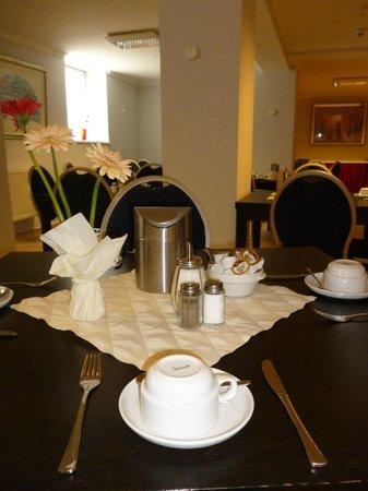 Hotel Budapester Hof: Breakfast restaurant