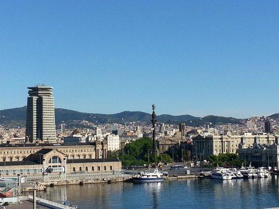 Eurostars Grand Marina Hotel: Blick vom Zimmer nach rechts bei Tag