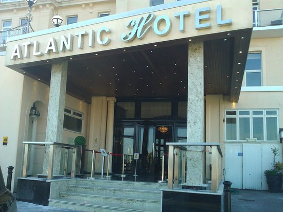 The Atlantic Hotel : Front of hotel