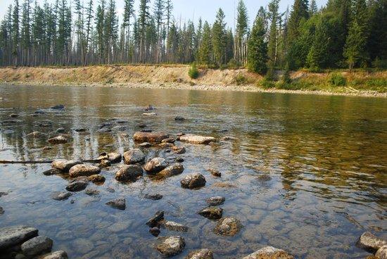 Smoky Bear Ranch : Nearby river - 10 min walk