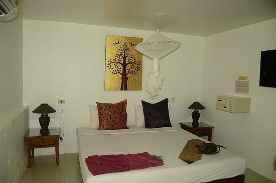 Paradise Resort Phi Phi: Superior Beach Front Room/Bungalow