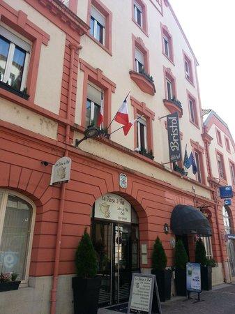 Hotel Bristol : façade de l'hôtel