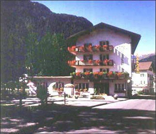 Hotel Soreghina: Vista estiva