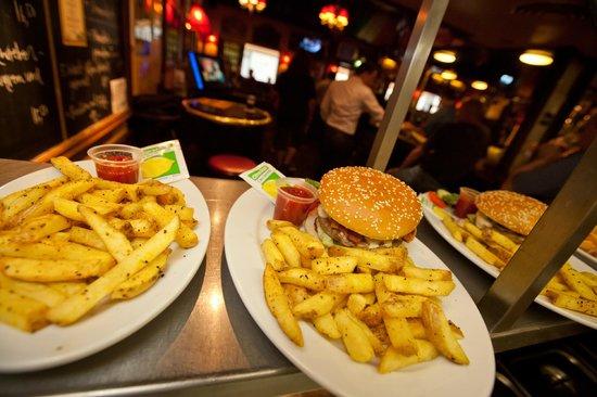 Mr. Pickwick Pub : Great pub food