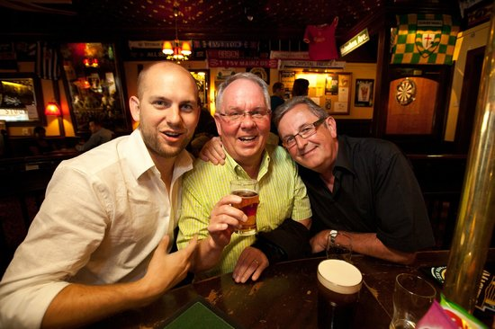 Mr. Pickwick Pub : The place where people meet!