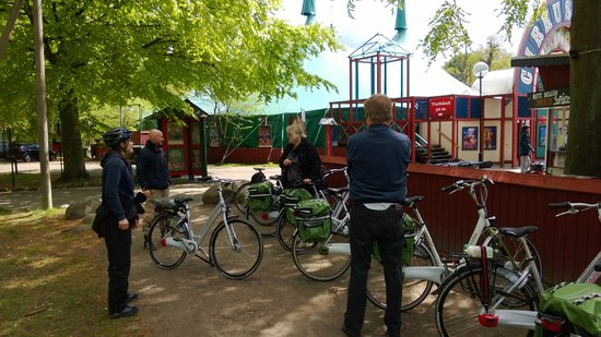 Lyngby-Taarbak Municipality, Denmark: Behind Dyrehavsbakken