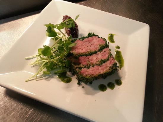 Comme Ca Restaurant: Ham Hock & Parsley terrine, Apple Chutney