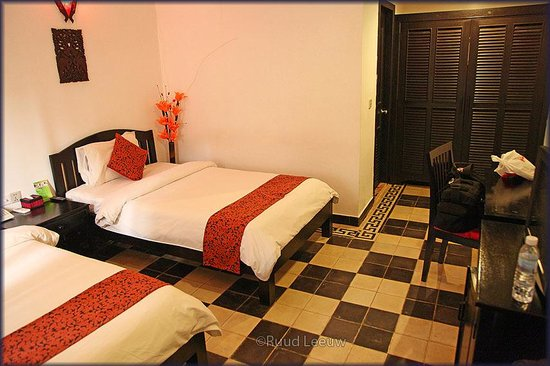 Central Boutique Angkor Hotel: Spacious and comfortable (cool!) room