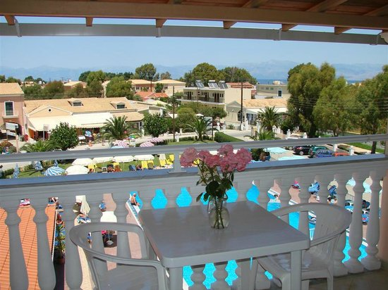 Alkyon Hotel: Pool view from one of our rooms