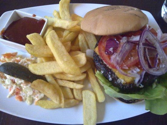 BEST WESTERN Arlanda Hotellby: Burger 21 €