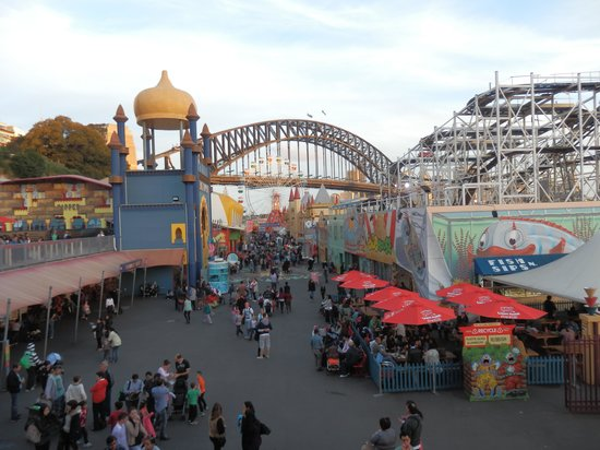 Guide to sydney for families travel guide on tripadvisor for Puerta 7 luna park