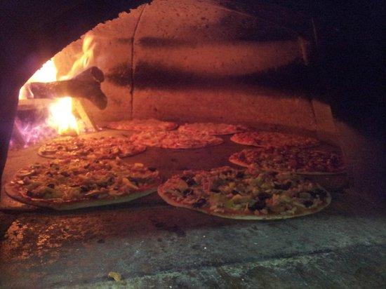 Pizzaiolo Rocks: Tu pizza al horno de leña